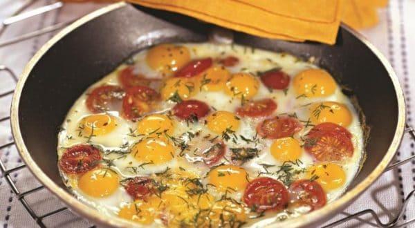 Перепелиные яйца содержат лизин, который способствует синтезу коллагена
